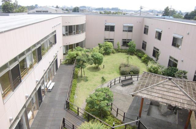 2階からの中庭