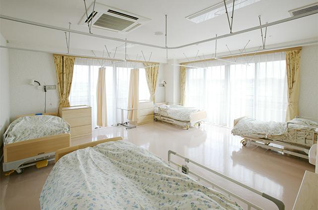 療養室(4人床)