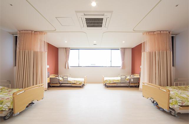 2階療養室(4人床)