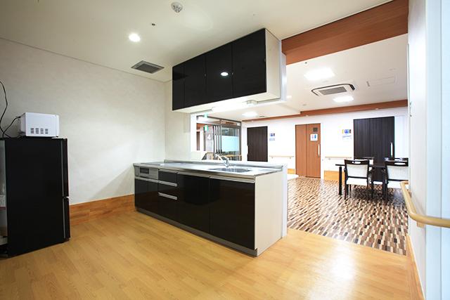 共同生活室、キッチン