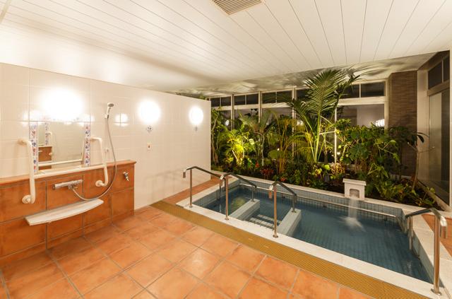 1階 浴室